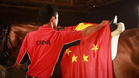 新浪体育讯7月26日,距中国赴里约奥运会参战马匹登机还有4天时间,