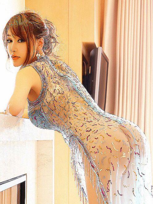 极品女王大胆人体艺术写真 性感半裸秀玉乳